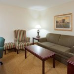 CISCedar Rapids Airport Room Suite