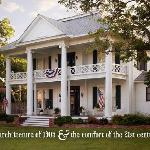 Pecan Manor Bed & Breakfast welcomes you!