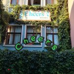 Photo de Cheers Hostel