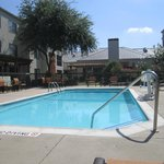 Courtyard by Marriott DFW Airport North / Irving resmi