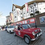 smallcarBIGCITY outside the Globe Theatre