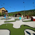 Mini golf at complex