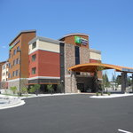 Holiday Inn Express & Suites Butteの写真