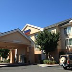 Fairfield Inn & Suites Medford resmi