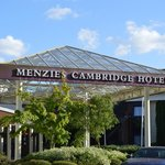 Menzies Cambridge Hotel & Golf Club resmi