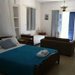 Kastro Traditional Rooms and Apartments resmi