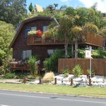 4 Star Harbourview Lodge B& B in Tairua