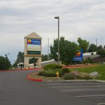 The Comfort Inn Sigage at the Highway into the Hotel