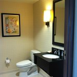 Whirlpool Suite 1/2 bath