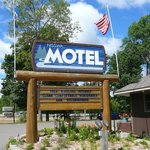 Sign on property of Nisswa Motel