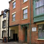 Wellington House B&B  |  5 New Street, Cromer.
