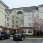 Photo of La Quinta Inn & Suites Islip MacArthur Airport