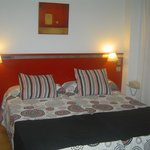 Photo de Aparthotel Ascarza Badajoz
