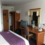 Photo de Premier Inn Tewkesbury Central