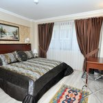 Regency World Suite & Hotel