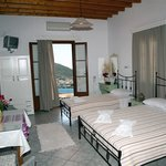 Stefanos Studios And Apartments
