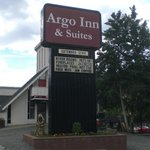 Argo Inn and Suites resmi