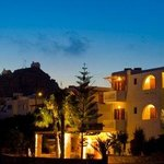 Village Twins Hotel at the evening. In the backround you can see the Chora!