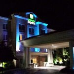Holiday Inn Express Hotel & Suites Concord resmi