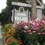 Photo de Alpine Village Inn