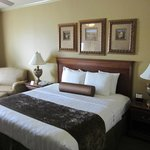 BEST WESTERN PLUS Crown Colony Inn & Suites resmi