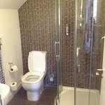small double room en-suite bathroom