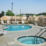 Photo de BEST WESTERN PLUS Route 66 Glendora Inn