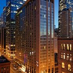 Photo de Springhill Suites Chicago Downtown / River North