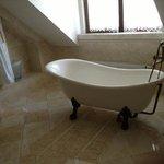 Check out the bath tub!