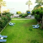 Foto Rododafni Beach Holiday Apartments & Villas