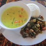 Lunch: Coconut Veggie Curry
