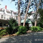 The Pine Crest Inn resmi