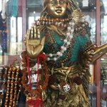 I found this Asht Dhatu Shiva Idol impressive at Lobby Level Shop