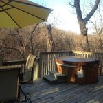 Hot tub on the deck!