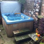secret garden hot tub