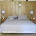 queensize bed in Zealand 9