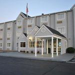 Microtel Inn & Suites by Wyndham Charleston South resmi