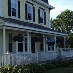 The Harbor House Inn ...