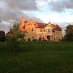 Фотография Grey Gables Manor Bed and Breakfast
