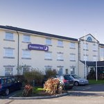 Photo de Premier Inn Bridgend Central