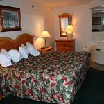 Photo of AmericInn Lodge & Suites Hampton