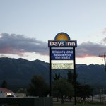 Days Inn Golden resmi