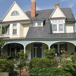 Camellia Cottage Bed and Breakfast