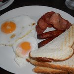 breakfast in O MALLEYS PUB down the road from the arch b and b