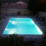 piscine the night