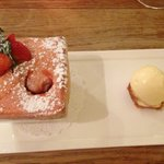 Soufflé of English strawberries with basil ice-cream