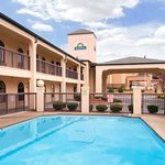 Days Inn & Suites Stockbridge South Atlanta