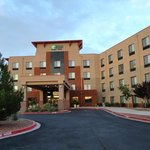 Фотография Holiday Inn Express & Suites Albuquerque Old Town