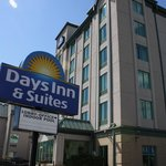 Φωτογραφία: Days Inn & Suites By the Falls