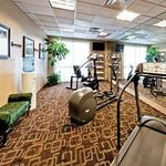 صورة فوتوغرافية لـ ‪Hawthorn Suites by Wyndham Midwest City Tinker/Air Base‬